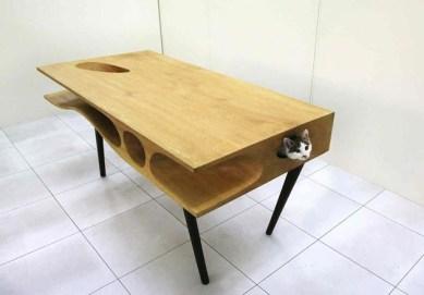 CATable, do designer Ruan Hao, é uma opção criativa para deixar o gato passear à vontade pelo móvel sem atrapalhar suas atividades