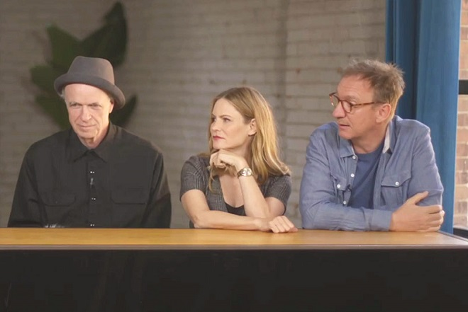 ELENCO Da esquerda para a direita: Tom Noonan, Jennifer Jason Leigh e David Thewlis.