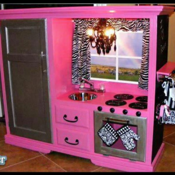 DIY Kids Play Kitchens