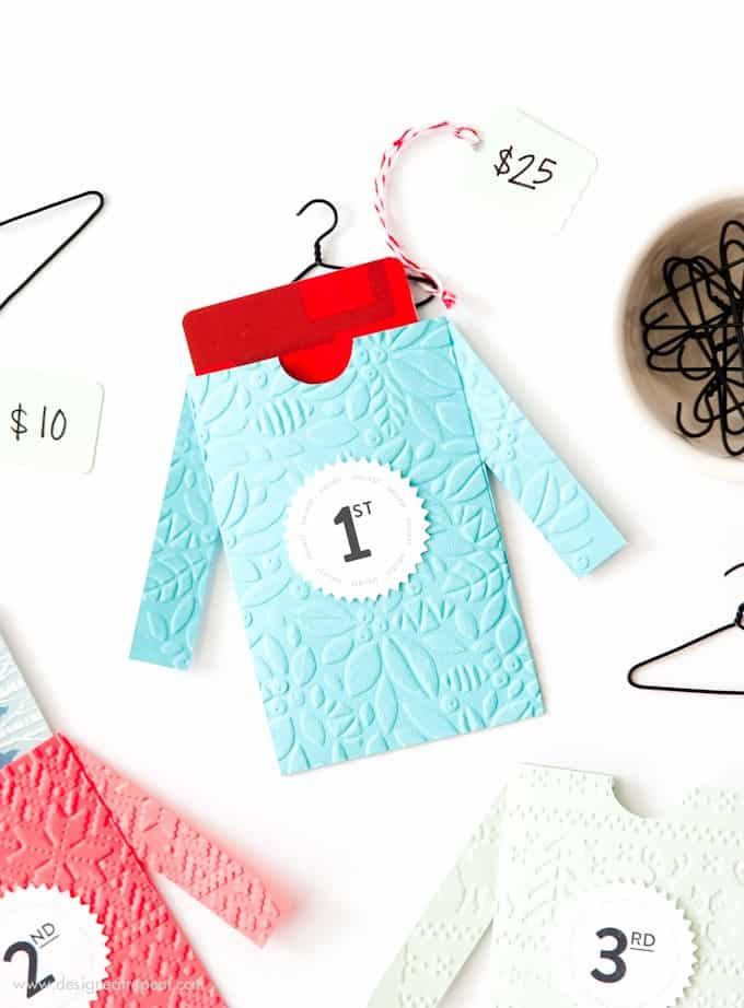 Make these cute DIY sweater gift card envelopes for fun Ugly Sweater Party prizes! Includes free printables from Design Eat Repeat!