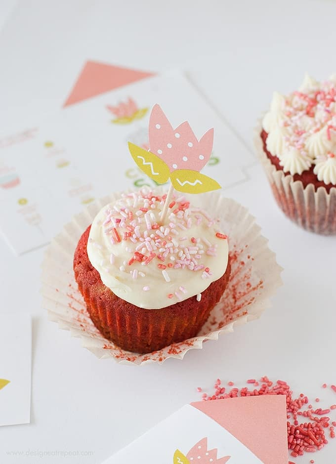 These Tulip Cupcake Toppers are sure to add some color to boring ol' cupcakes! And the best part is...they are free to download over at Design Eat Repeat blog