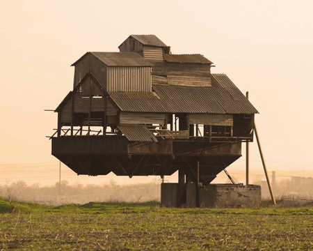 10 unusual and beautiful homes