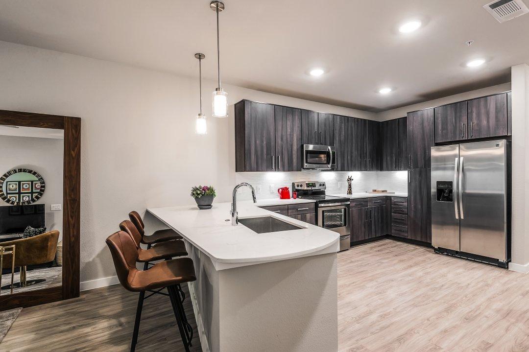 Lenore Callahan Interior Design,Tribute on the Rim-0044, kitchen, loft