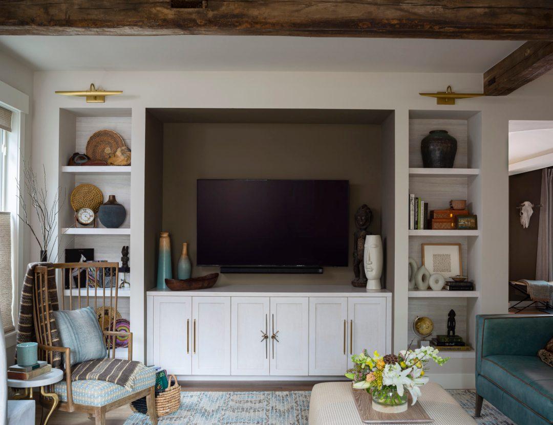 Julee, familyroom, built ins