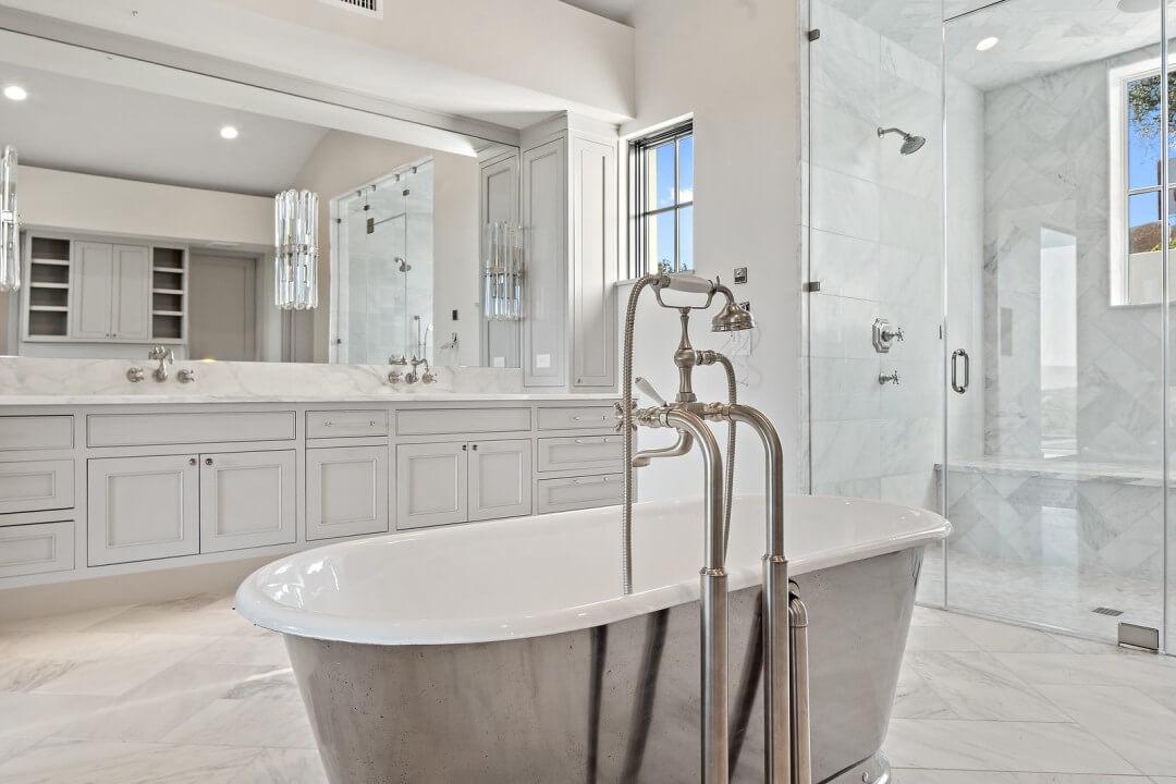 Lenore, lake austin, contemporary home, bath