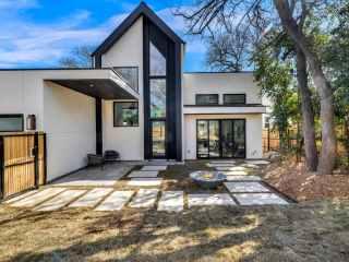 Lenore, Austin, TX designer, exterior