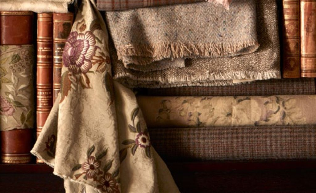Vichy è una cittadina francese nota per la produzione di tessuti tutti rigorosamente a quadretti. Ralph Lauren Fabrics Curtains Upholstery Designers Guild