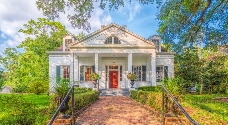 characteristics of Greek revival home plans