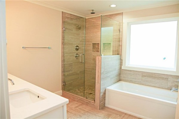 Huntsville Master bathroom