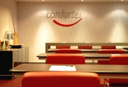 Foto que muestra el interior de una sala de reuniones de un hotel de la cadena Confortel Hoteles