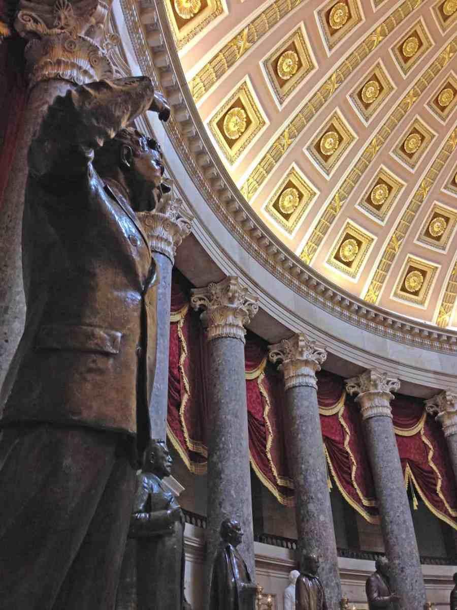 huey-long-statue-capitol