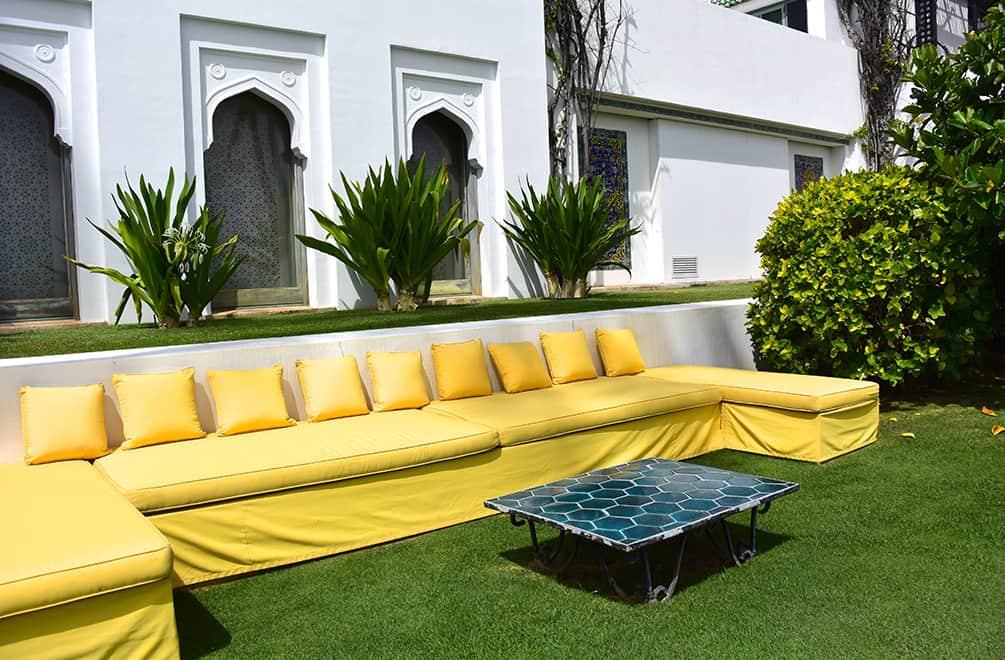 shangri-la-outdoor-couch