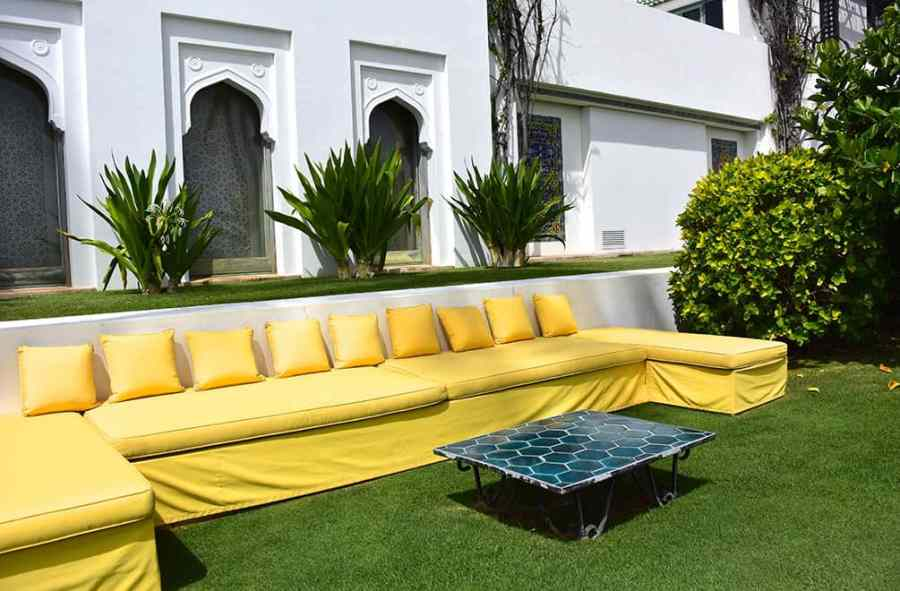 shangri-la-outdoor-couch