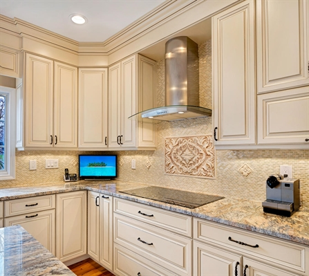 Sparkling Vision Wall New Jersey by Design Line Kitchens