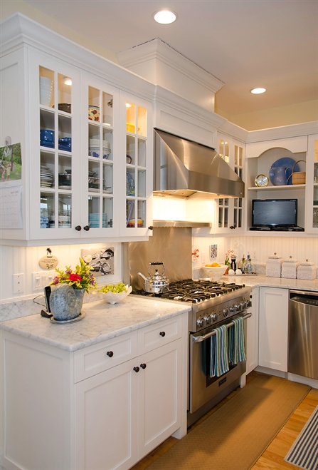 Relaxed Cottage Kitchen Colts Neck New Jersey by Design
