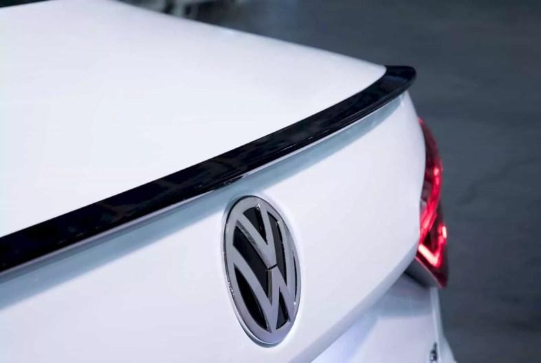 The New 2018 Volkswagen Passat Gt 4