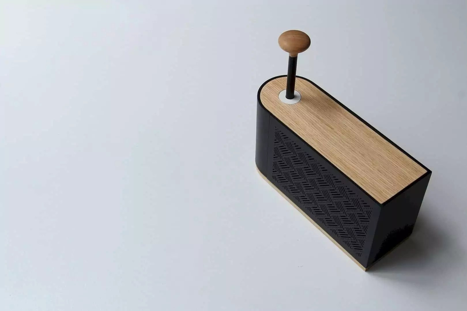 Hilo Speaker Ignite The Nostalgic by Means of a Knob - Yes, You Miss This Sensation!