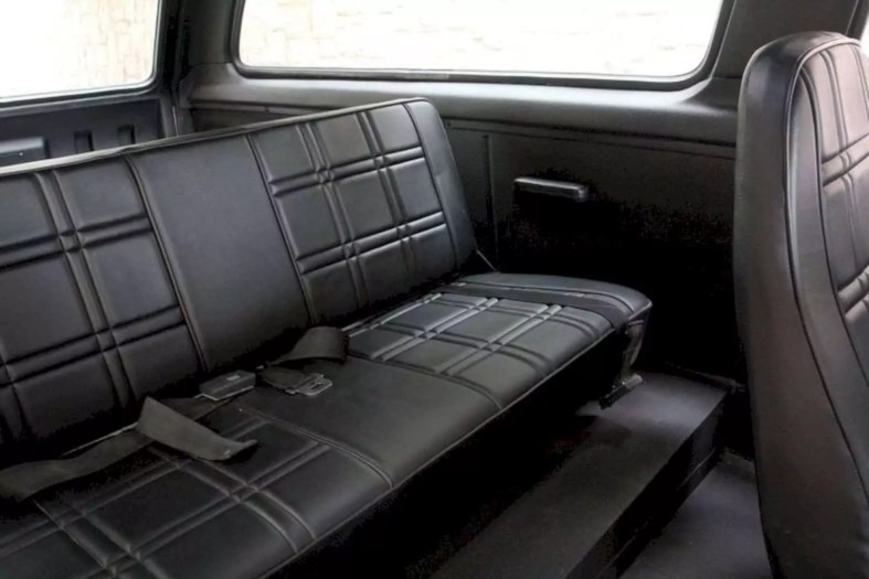 Motorcar Studio 1976 International Scout Traveler 8