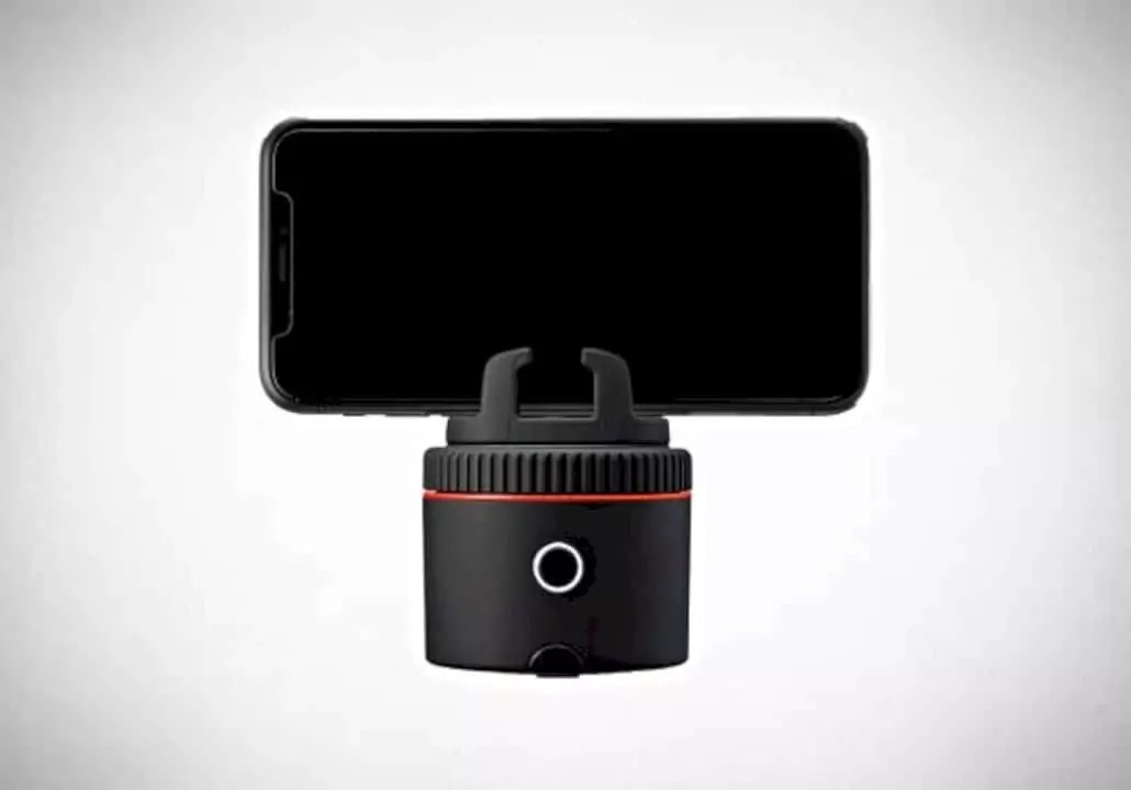 Pivo: sensationalize your smartphone photography with a genius little pod