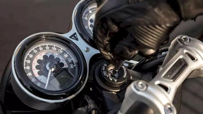 Triumph Bonneville Speed Twin 7