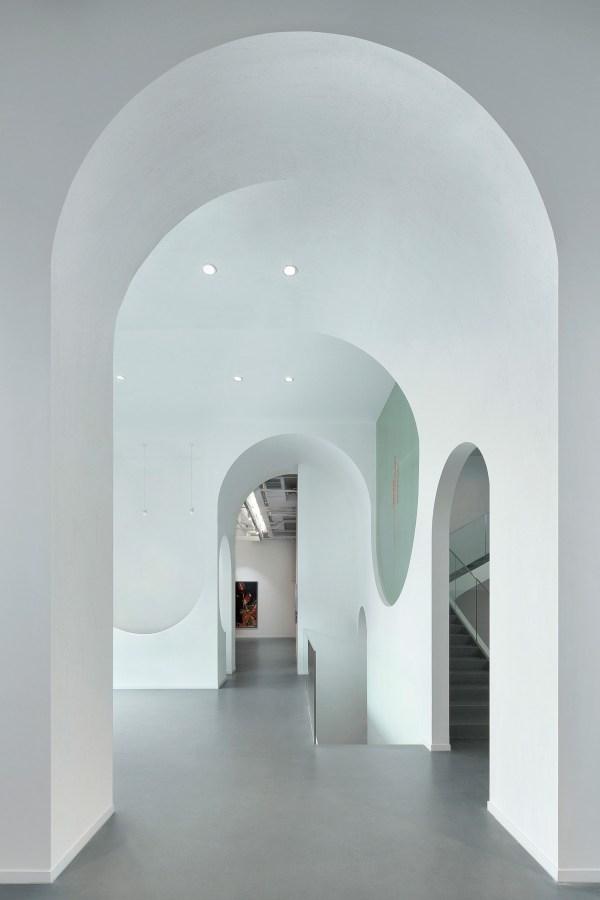 Hongkun Fine Art Design In Austria