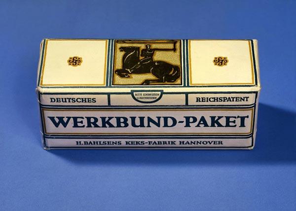 Peter Behrens: 'Werkbund-Paket', Verpackung für Bahlsen-Kekse, 1914. © Bahlsen-Archiv, Hannover. © VG Bild-Kunst, Bonn 2006