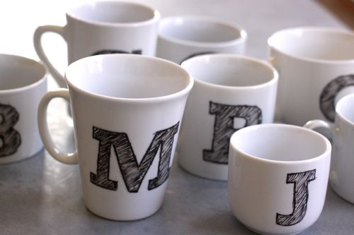 diy mug monogramme personnalis. Black Bedroom Furniture Sets. Home Design Ideas