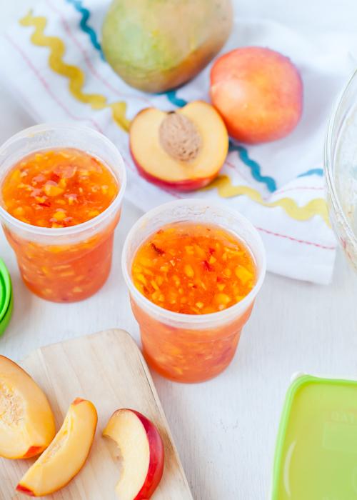 Замороженные фрукты в сахарном сиропе