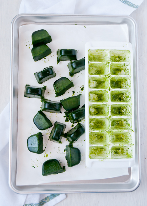 Замороженные кубики с зеленью
