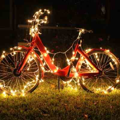 How to Make A  DIY Bicycle Christmas Decoration