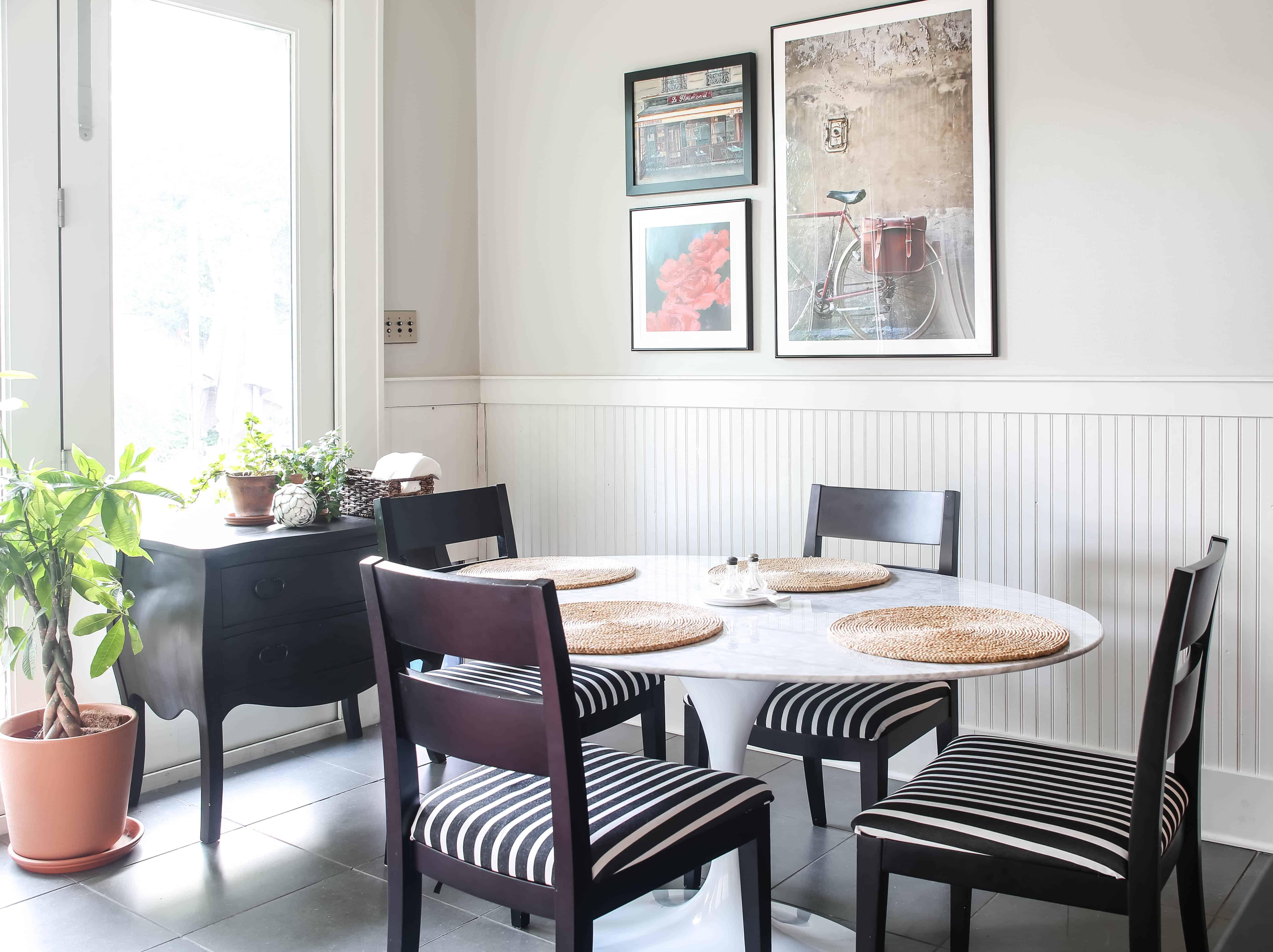 ktichen breakfast table