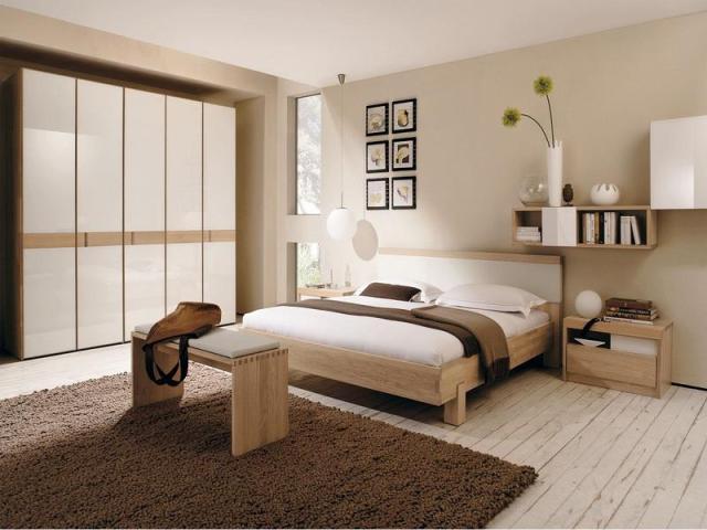Nice size elegant bedroom