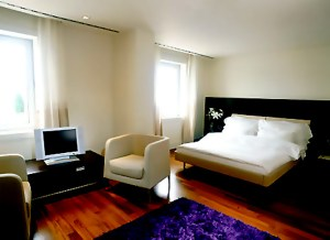 Design A Small Bedroom EtoV
