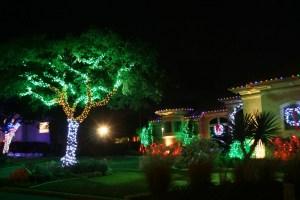 Outdoor Holiday Lighting Ideas EDXb
