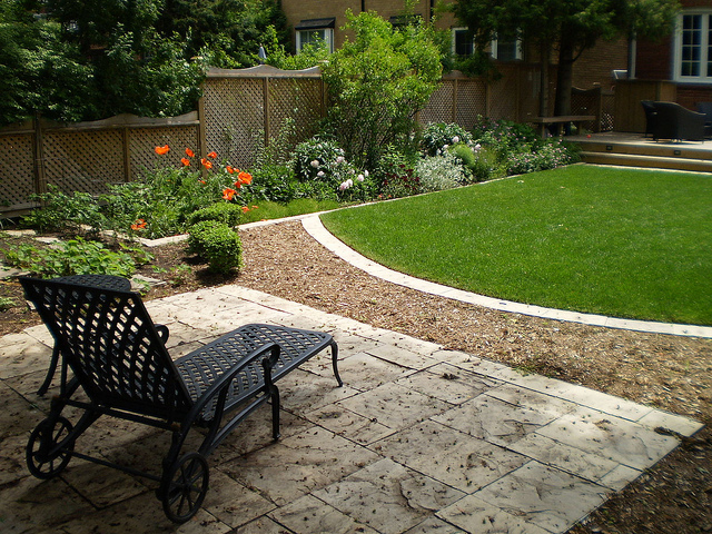 Small Square Garden Design Ideas Design On Vine