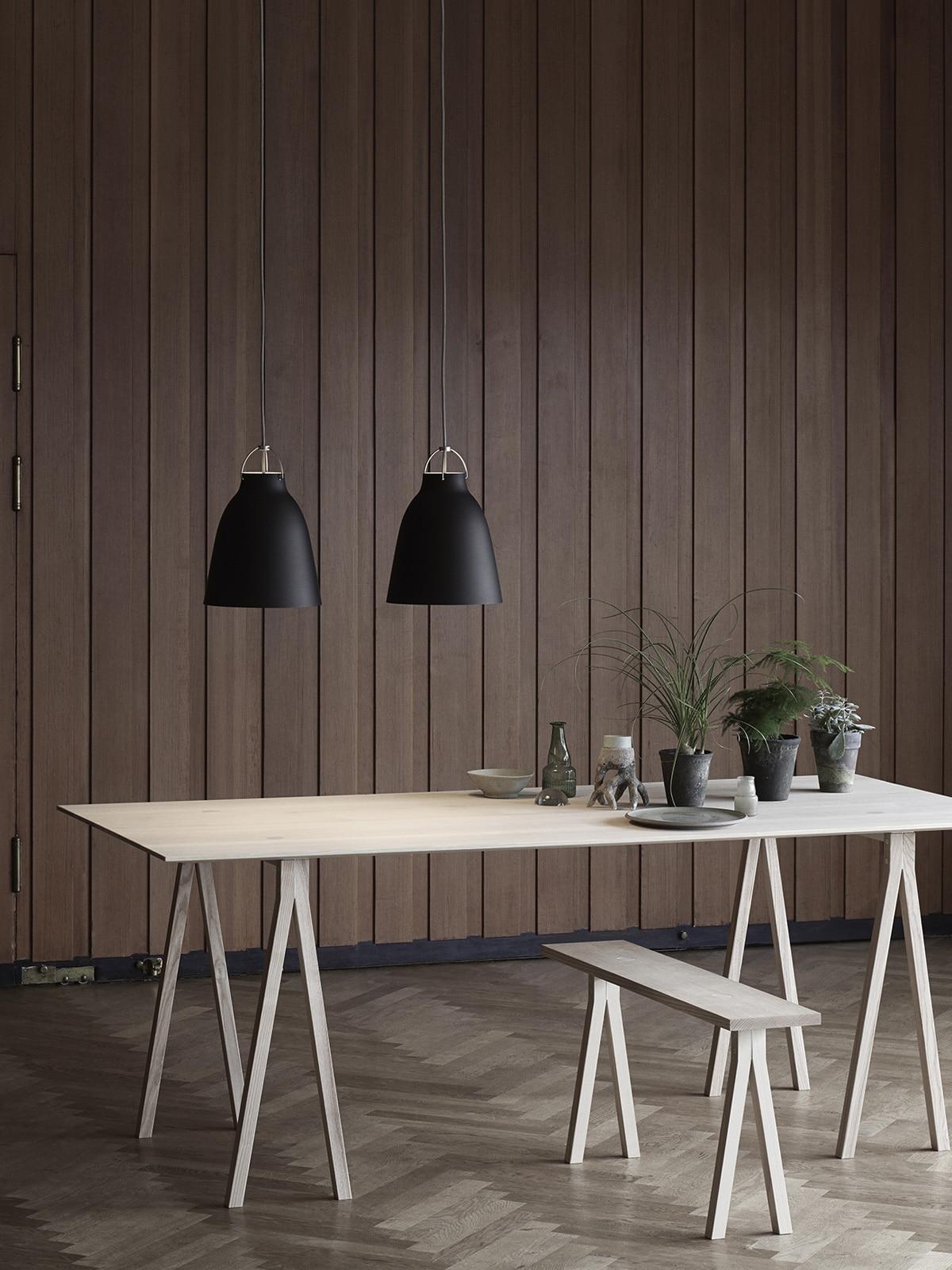 richtige esszimmerbeleuchtung mit pendelleuchten designort blog. Black Bedroom Furniture Sets. Home Design Ideas