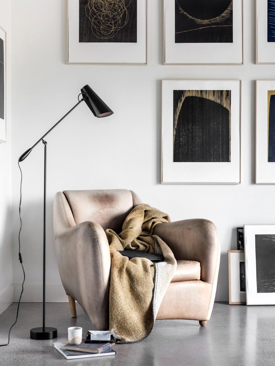 DesignOrt Blog: Trend: Schwarze Stehlampe Birdy Floor ganz schwarz