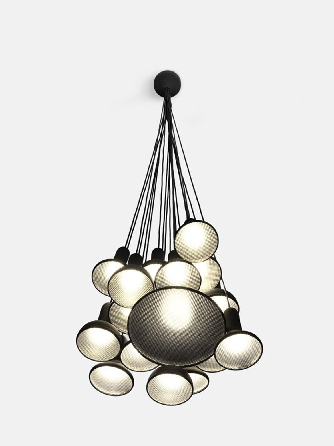 DesignOrt Blog: Große Pendelleuchten Cluster Torch Light S20