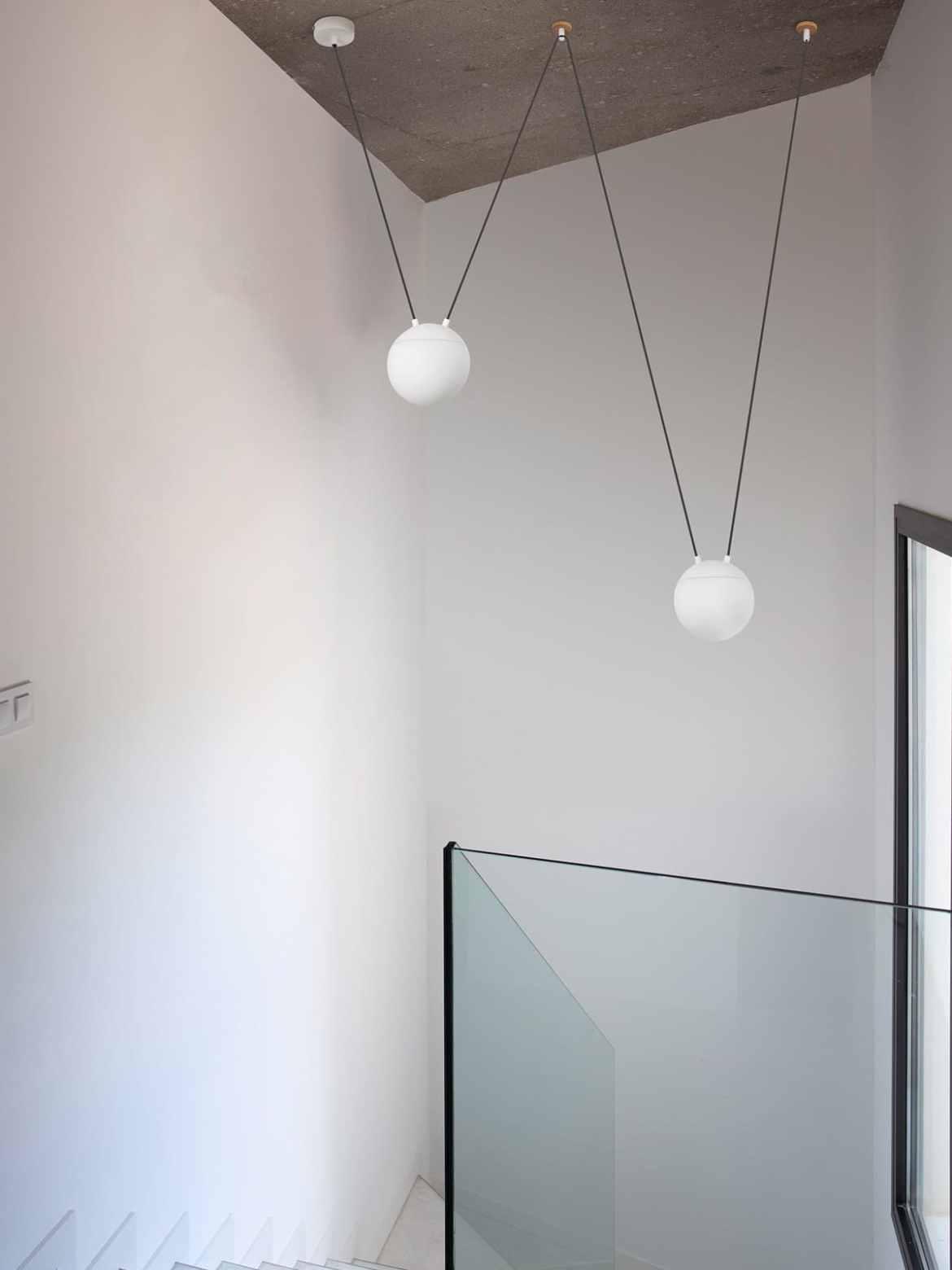 DesignOrt Blog: Kugelige Pendelleuchten Mine Space Pendel Lampe Faro Barcelona