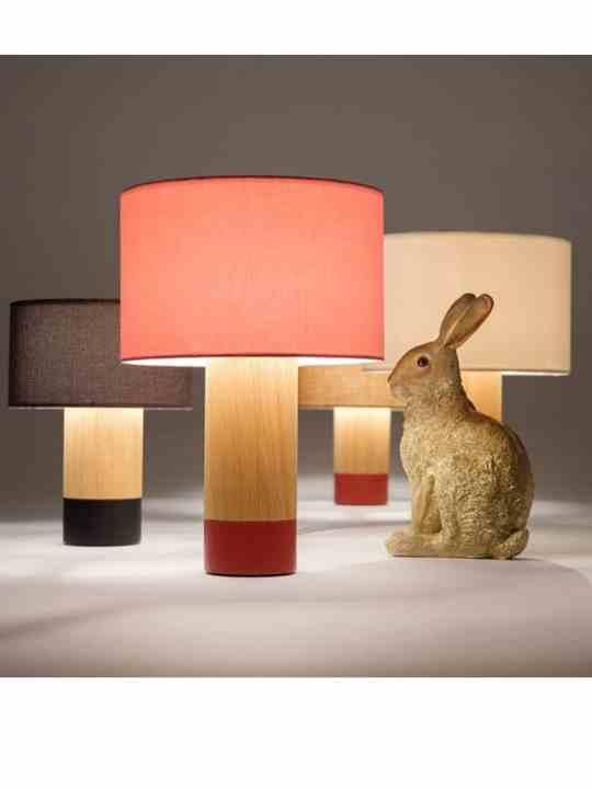 Domus Tischlampe Klippa nachhaltige Tischleuchte aus Holz und Textil Made in Germany
