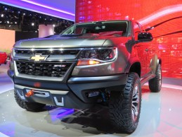 CHEVY COLORADO - 002