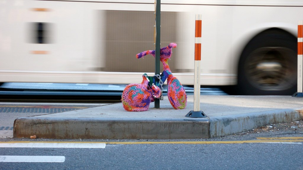 Yarn_Bombing_designplayground_06