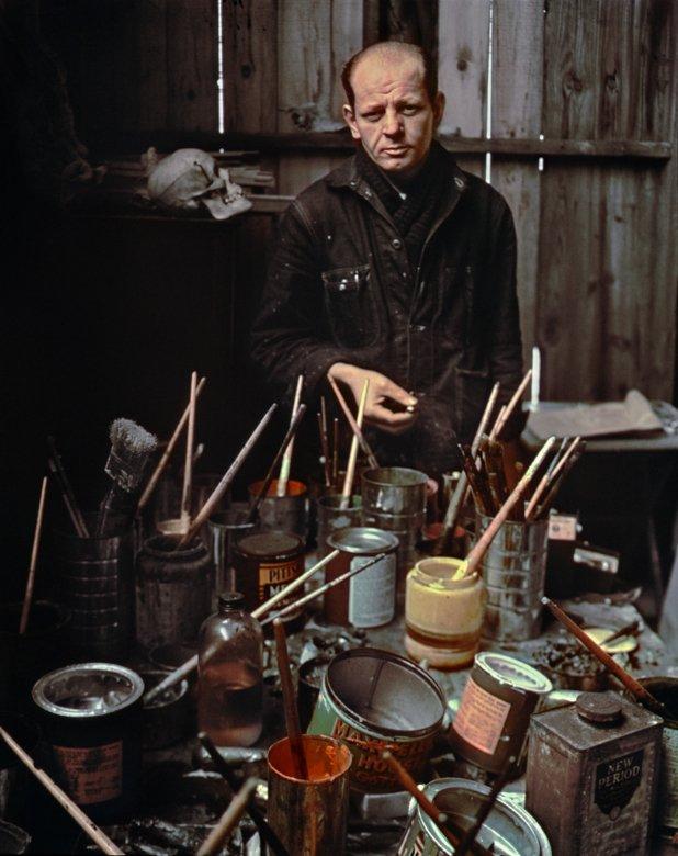 Jackson_Pollock,_Long_Island,_NY,_1949