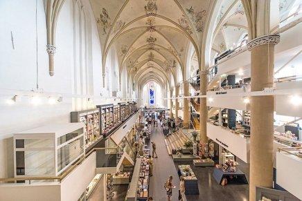 Waanders In de Broeren, da monastero a libreria