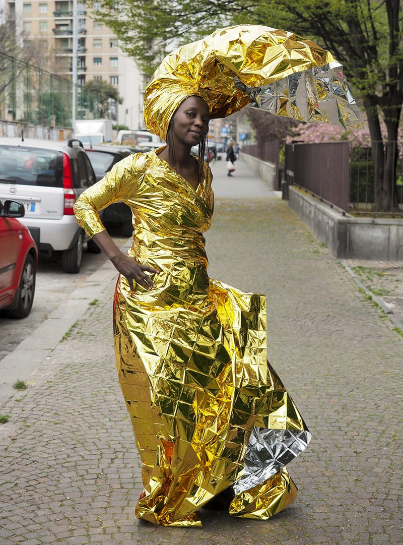 WK_BR1_Delphine and her new dress, 2016_designplayground_01