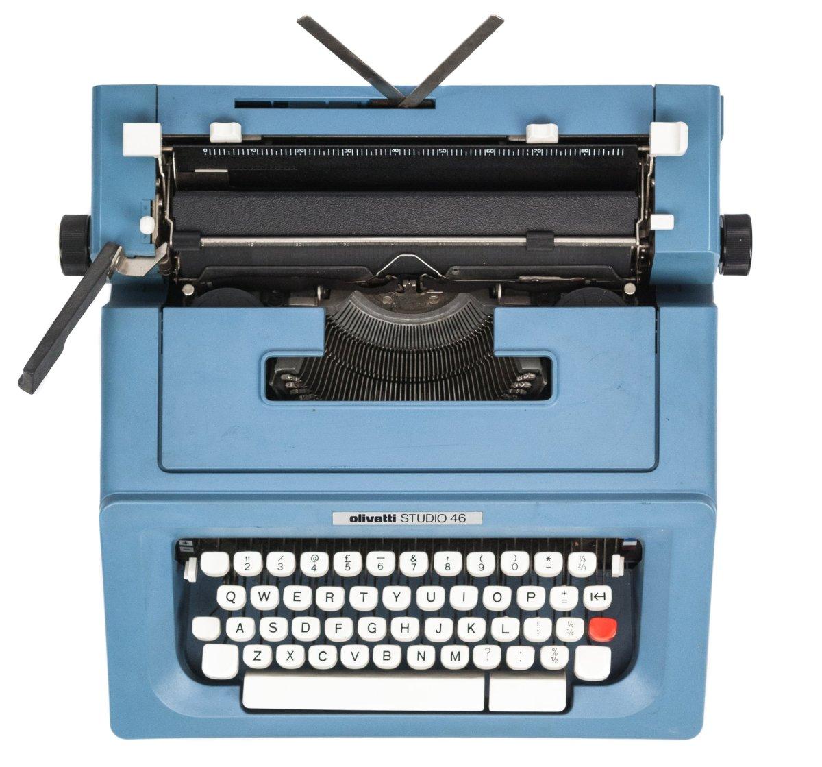 1976 - Olivetti Studio 46 Typewriter by Olivetti