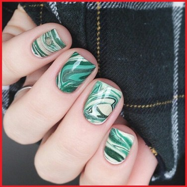 water marble nails designs