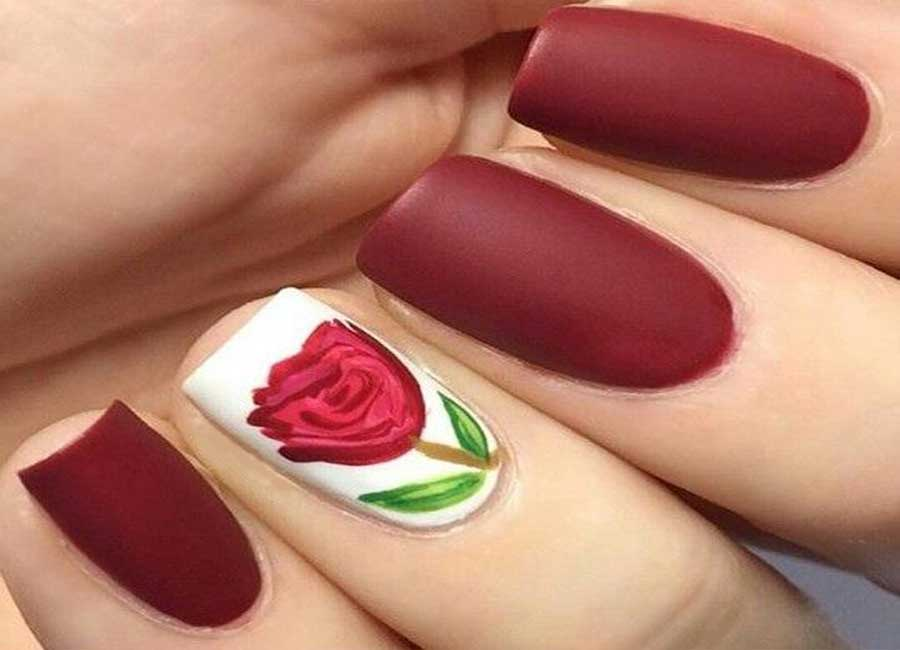 single statement rose nail art