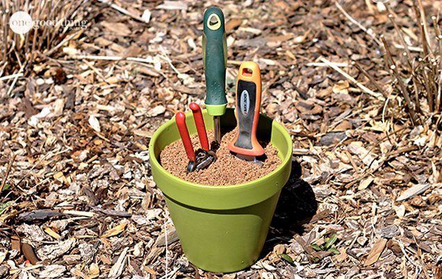 Make Your Own Self Cleaning and Sharpening Garden Tool Holder