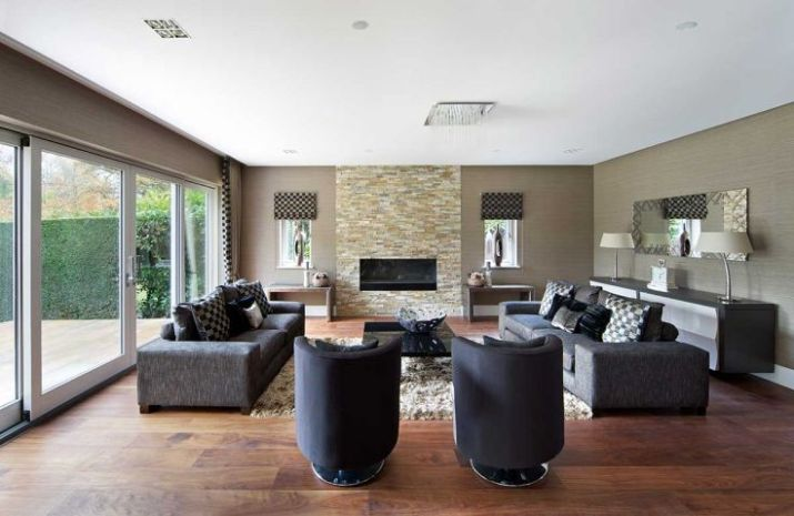 Modern-garden-lounge-with-brick-electric-fireplace